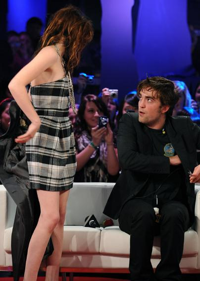 robert and kristen dating again Though robert pattinson's relationship with kristen stewart ended a long time ago and both moved on with new romances, 2017 was yet another year in which they were repeatedly linked in the gossip media one such rumor came courtesy of life & style, which in september alleged stewart and pattinson.
